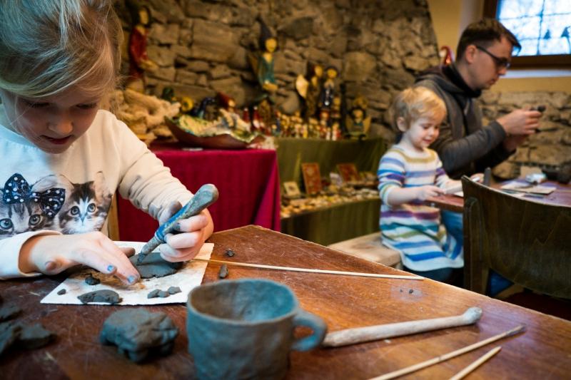 LEPIMY LATO warsztaty ceramiczne w Magic-Art-Galery